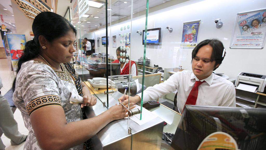 Female expats in the UAE more likely to remit a higher portion of their salaries than men